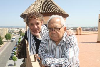 Juan Carlos Mestre with Lȇdo Ivo,  photo from tamtam press